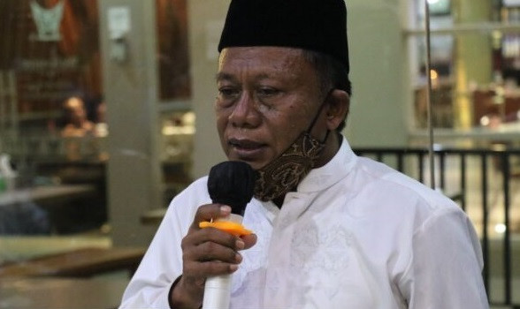 Kepala SMK Negeri 2 Padang Rusmadi. (Foto: Padang Ekspres via JPNN.com)