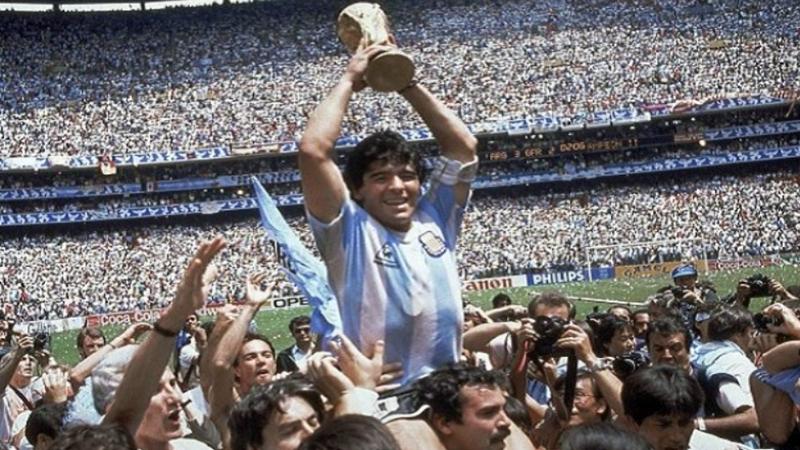 Diego Maradona menjadi bintang saat Argentina menjadi juara dunia (sumber foto: @Prabhu_mkp)