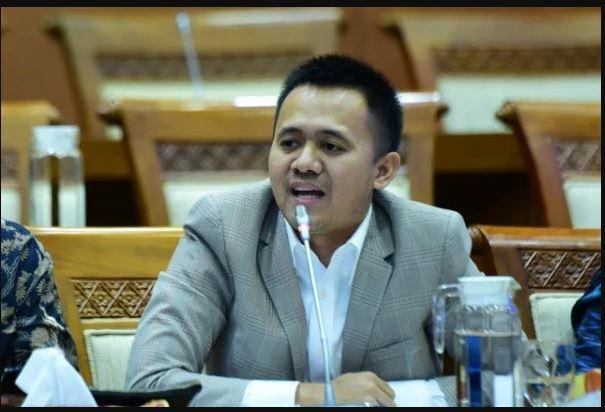 politisi PDIP Mufti Anam. (Foto: JPNN/Dok Pribadi)