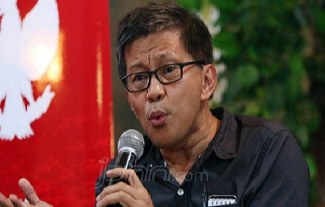 Sentilan Rocky Gerung Soal PP Miras yang dicabut Jokowi