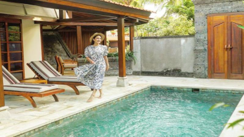 Tinggal di Bali, Kecenya OOTD Longgar Shandy Aulia