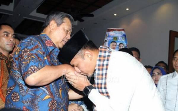 Susilo Bambang Yudhoyono (SBY) dan Agus Harimurti Yudhoyono (AHY). (Foto: Ricardo/JPNN)