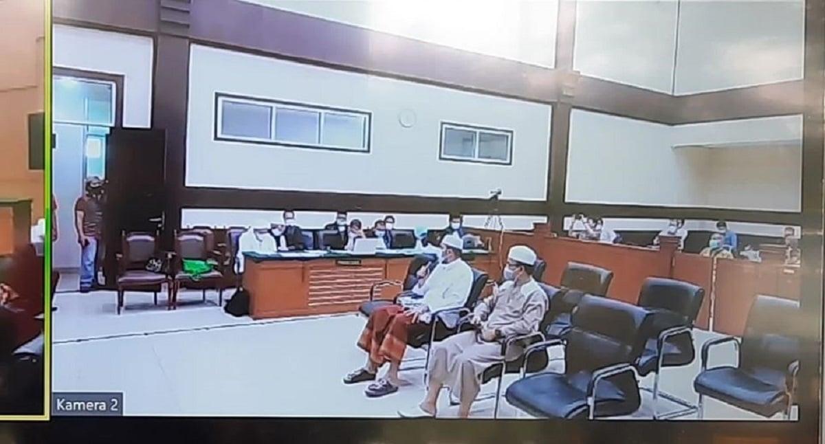 Sidang lanjutan Habib Rizieq di Pengadilan Negeri Jakarta Timur, Kamis (6/5). (Foto: JPNN))