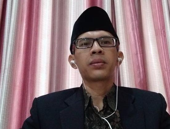 Pengamat politik Ujang Komarudin. (Foto: tangkapan layar/GenPI.co)