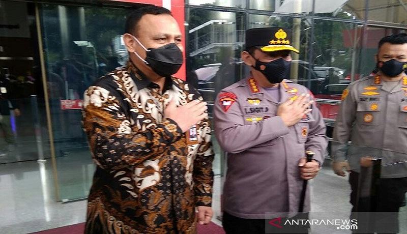 Ketua KPK Firli Bahuri dan Kapolri Jenderal Pol Listyo Sigit Prabowo. FOTO: Antara