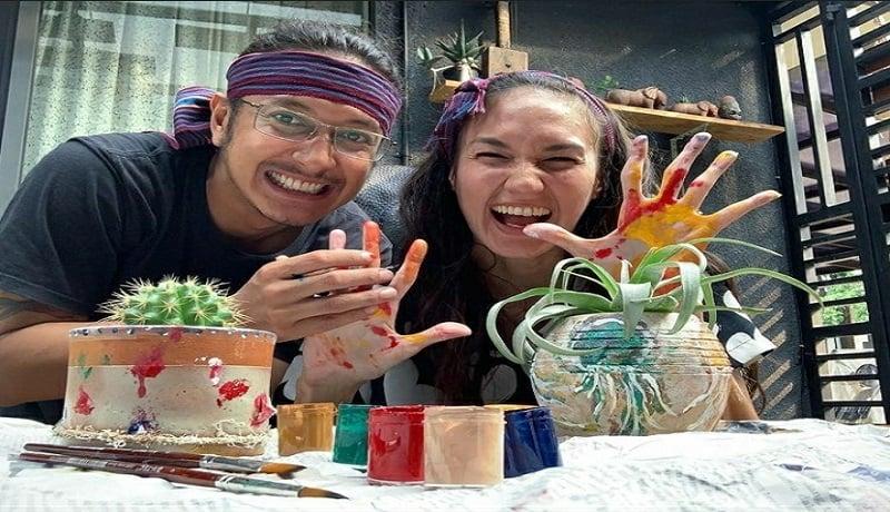 Pasangan selebritas Nadine Candrawinata dan Dimas Anggara. (Instagram/nadinelist)