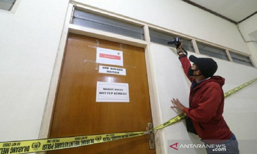 ICW Bocorkan Pegawai KPK yang Tangkap Bupati Ngajuk