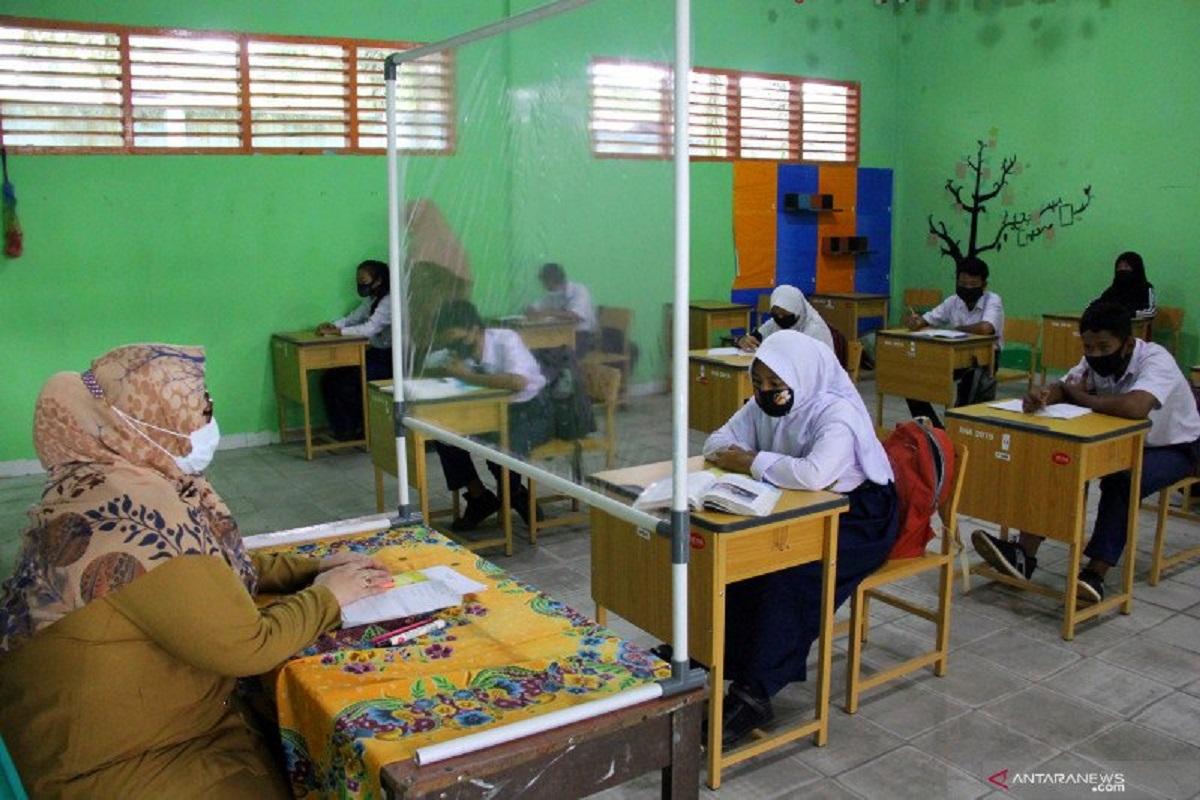 Suasana pembelajaran tatap muka di sekolah Riau. FOTO: Antara
