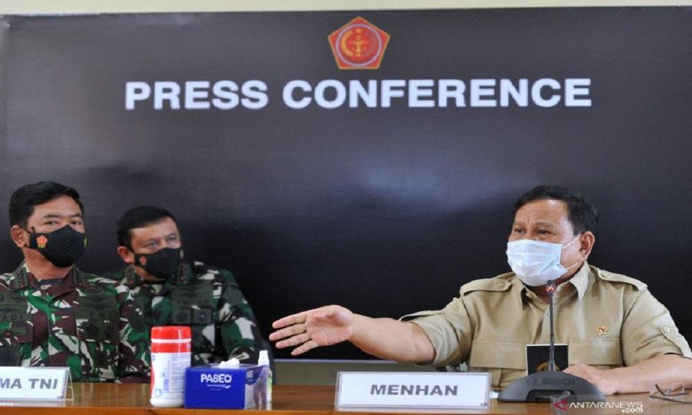 Menteri Pertahanan Prabowo Subianto dan Panglima TNI Marsekal Hadi Tjahjanto. FOTO: Antara