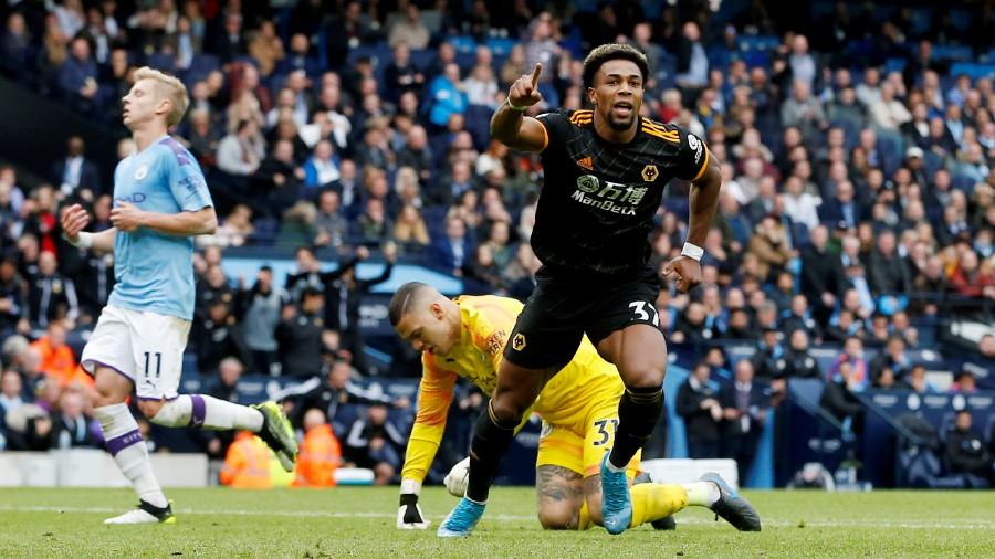 Bintang Wolves, Adama Traore menghancurkan Manchester City di Etihad Stadium. (foto: Reuters)