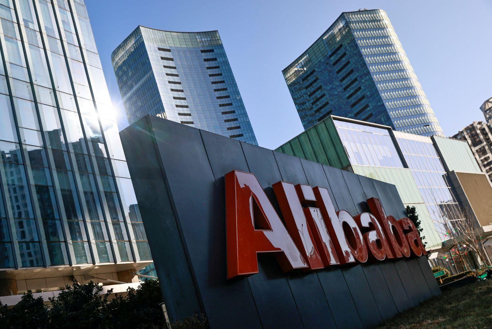 China menunjukkan sisi sadisnya dengan menghajar habis Alibaba serta Jack Ma hingga ke akar-akarnya.(foto: REUTERS/Thomas Peter)