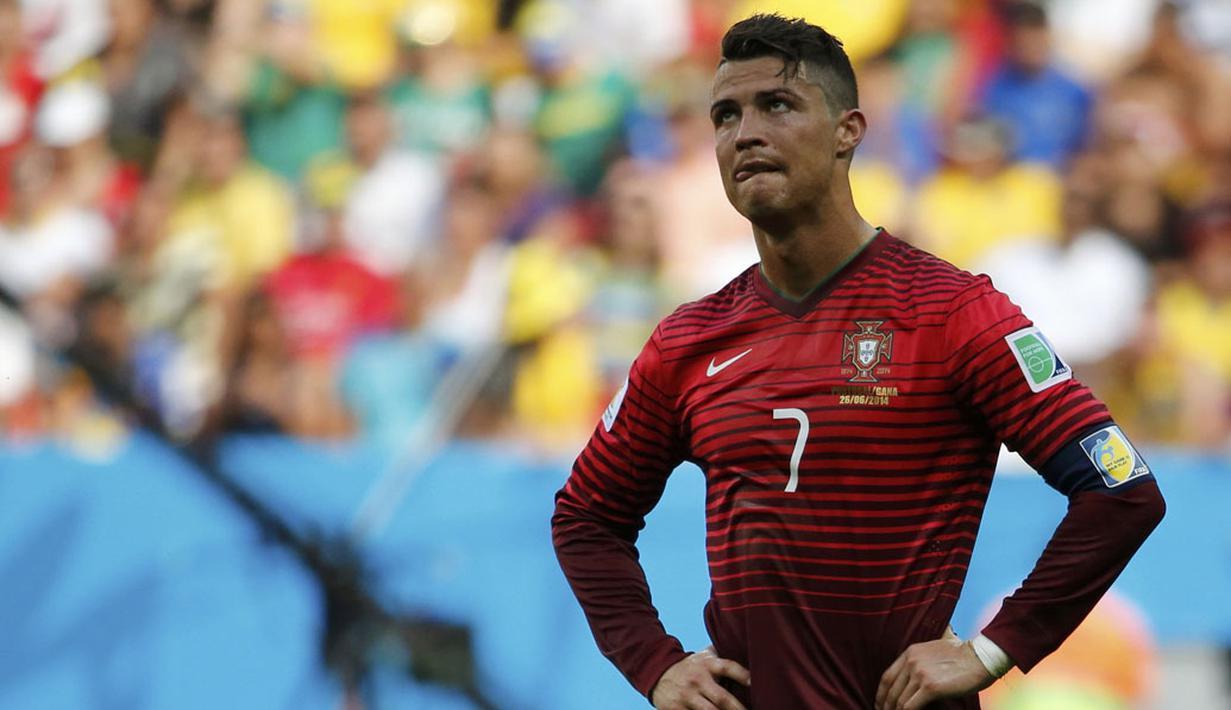 Cristiano Ronaldo saat membela Timnas Portugal. (foto: Reuters/Jorge Silva)