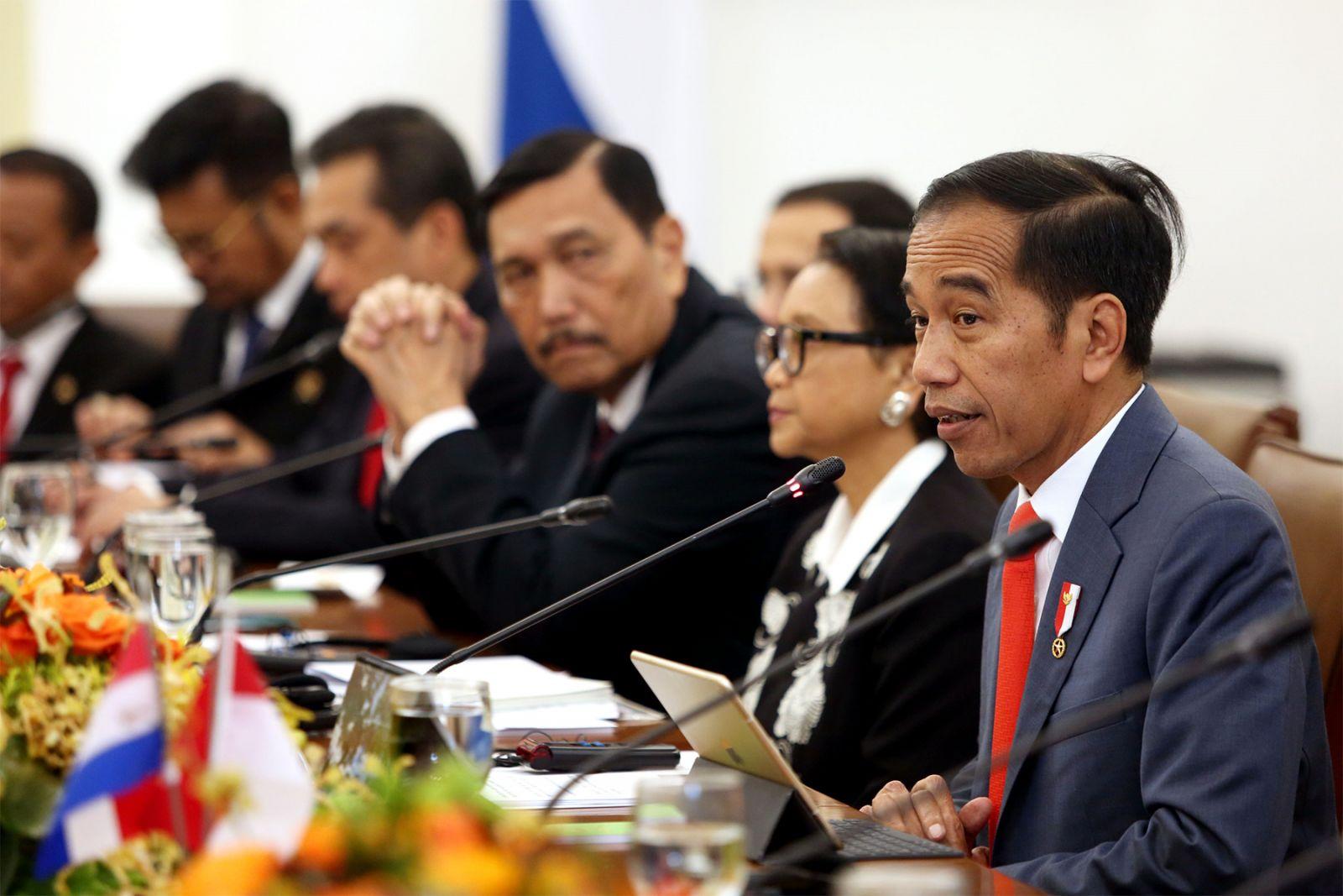 Berikut ini adalah sebuah analisa yang memperkirakan bahwa Joko Widodo (Jokowi) diam-diam akan terpilih menjadi presiden selama tiga periode. (foto: Ricardo/JPNN)