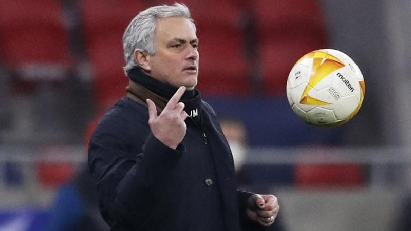 AS Roma langsung ketiban durian runtuh tak lama pasca mengumumkan bahwa mereka telah mendatangkan Jose Mourinho. (foto: REUTERS/Jason Cairnduff)