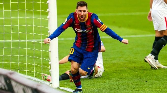 Lionel Messi selebrasi dalam laga Barcelona vs Sevilla. (foto: twitter.com/FCBarcelona)