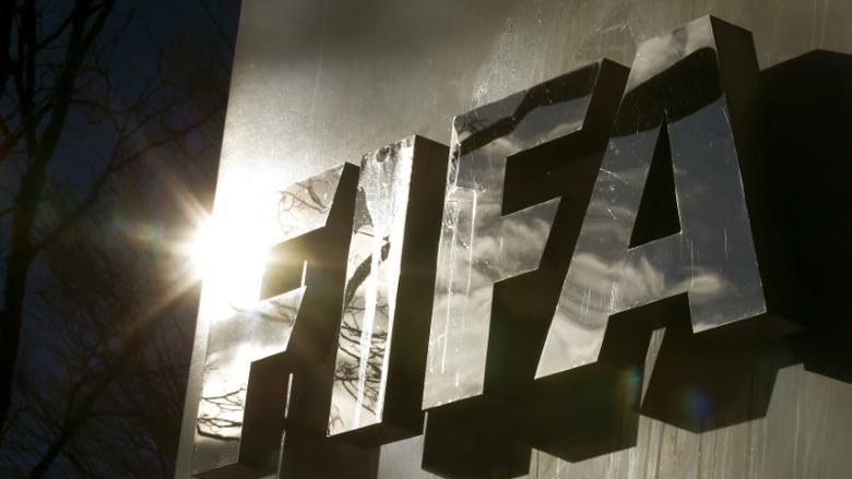 Induk sepak bola dunia, FIFA ikutan geram hingga akhirnya turun tangan perihal polemik yang terjadi seputar European Super League. (foto: FIFA)