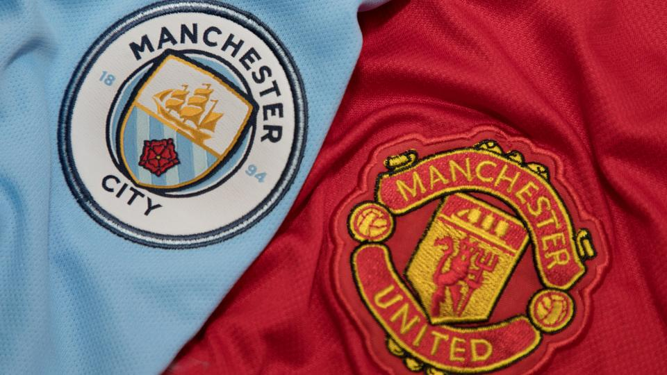 Logo jersey Manchester United dan Manchester City. (foto: expertreviews)