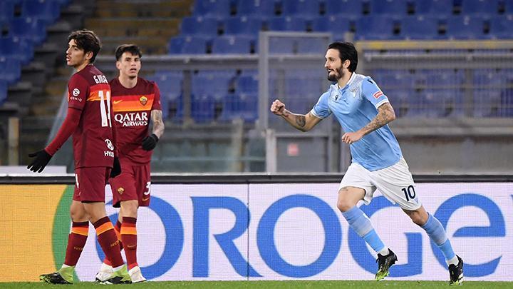 Derby della Capitale tersaji dalam pertandingan antara AS Roma vs Lazio yang dapat disaksikan via link live streaming berikut ini. (foto: Reuters/Alberto Lingria)