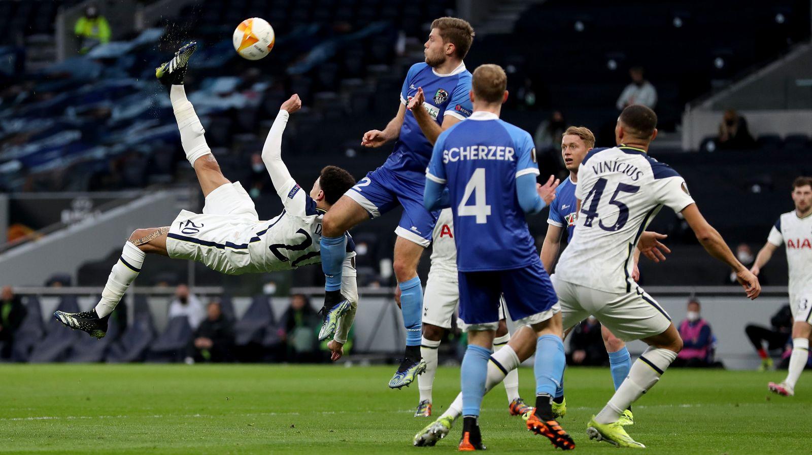 Momen Dele Alli mencetak gol salto dalam laga Tottenham vs Wolfsberger. (foto: twitter.com/SpursOfficial)