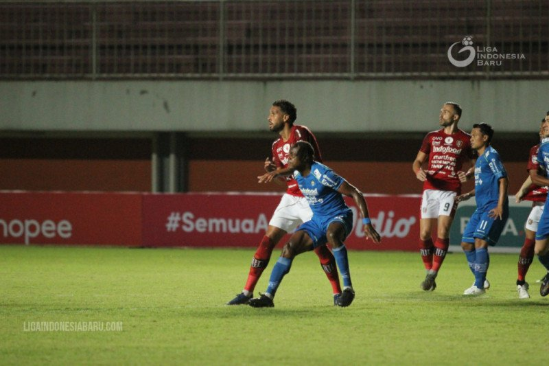 Link Live Streaming PSS Sleman vs Bali United: Duel Pelatih Asing