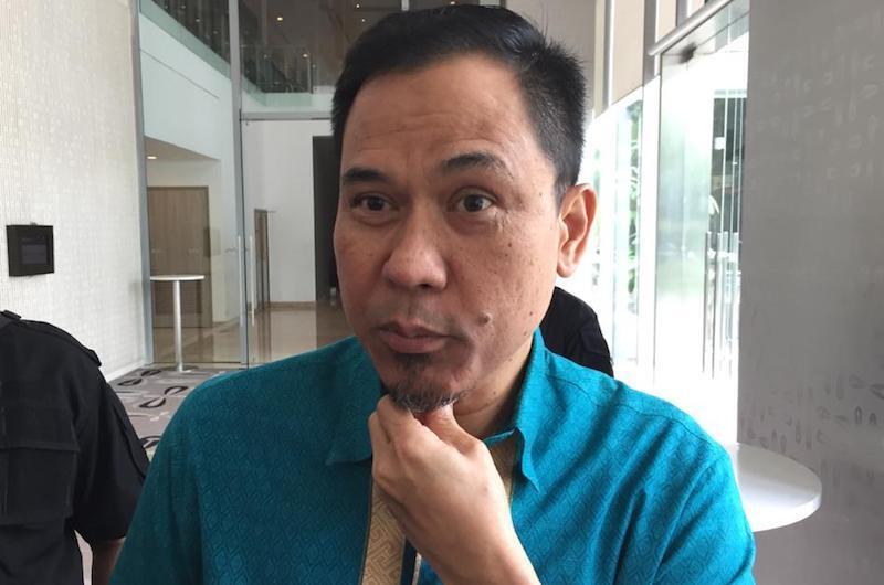 Politisi Partai Solidaritas Indonesia (PSI), Mohamad Guntur Romli, memberikan kritik pedas kepada Munarman. (foto: Fathan Sinaga/JPNN)