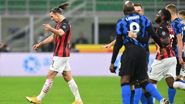 Perselisihan Zlatan Ibrahimovic dan Romelu Lukaku di Laga Inter Milan vs AC Milan. (foto: REUTERS/DANIELE MASCOLO)