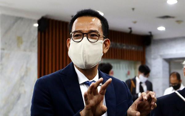 Ahli hukum tata negara, Refly Harun, memberi kritik kepada Politikus Partai Gerindra, Arief Poyuono terkait Presiden Joko Widodo (Jokowi) yang akan menjabat 3 periode. (foto: Ricardo/JPNN)