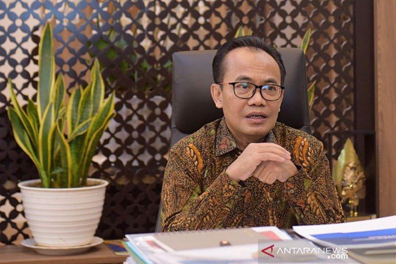 Terkuak sebuah alasan mengapa Warga Negara Asing (WNA) China datang ke Indonesia di saat pemerintah tengah mengencangkan aturan larangan mudik. (foto: Antara)