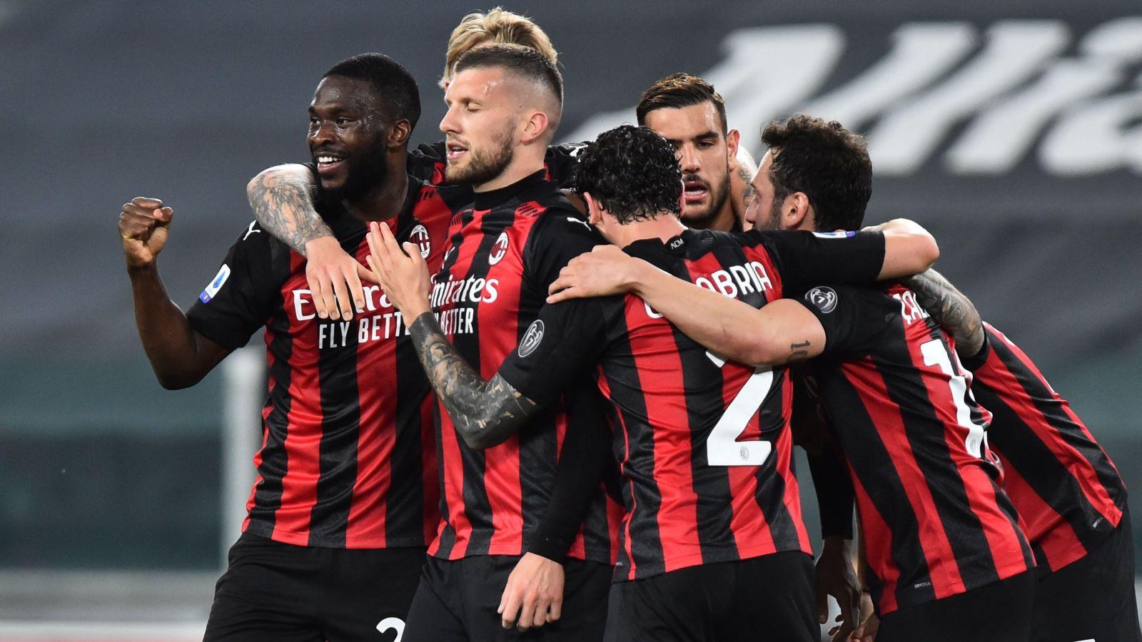 Pertandingan Serie A Italia yang mempertemukan AC Milan vs Cagliari dapat disaksikan via link live streaming berikut ini. (foto: MASSIMO PINCA/REUTERS)