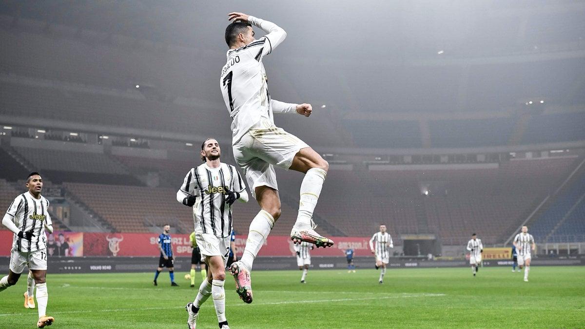 Selebrasi Cristiano Ronaldo dalam laga Inter Milan vs Juventus. (foto: twitter.com/juventusfc)
