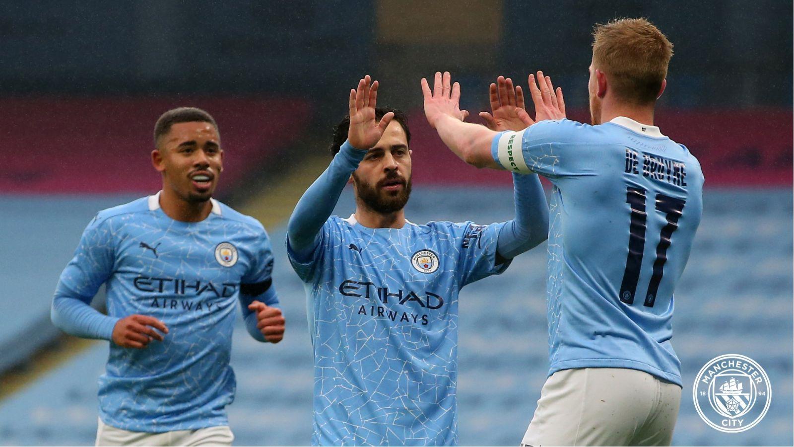 Selebrasi skuad Manchester City. (foto: twitter.com/ManCity)