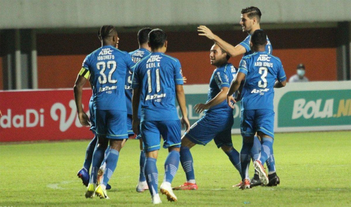 Persib Bandung cukup dikenal sebagai tim besar yang dihuni deretan para pemain bintang. (foto: PT LIB)