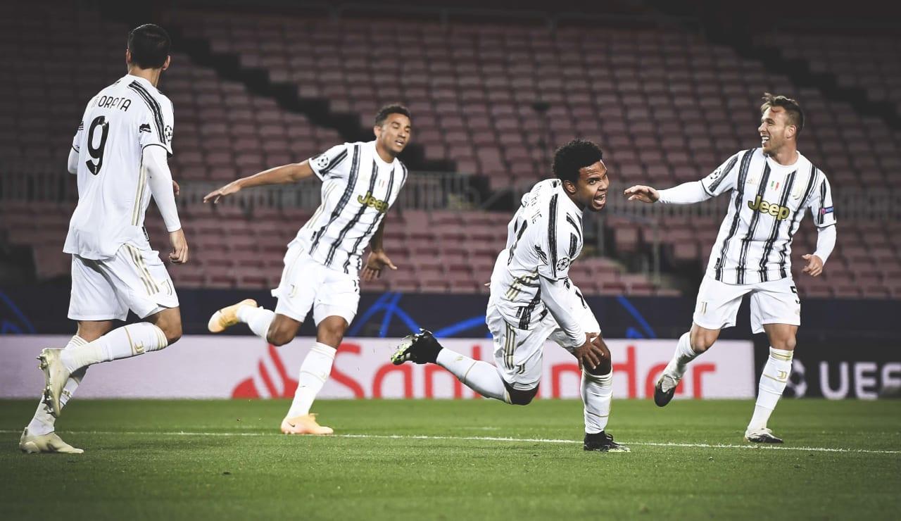 Skuad Juventus usai mengalahkan AC Milan. (foto: twitter.com/juventusfc)