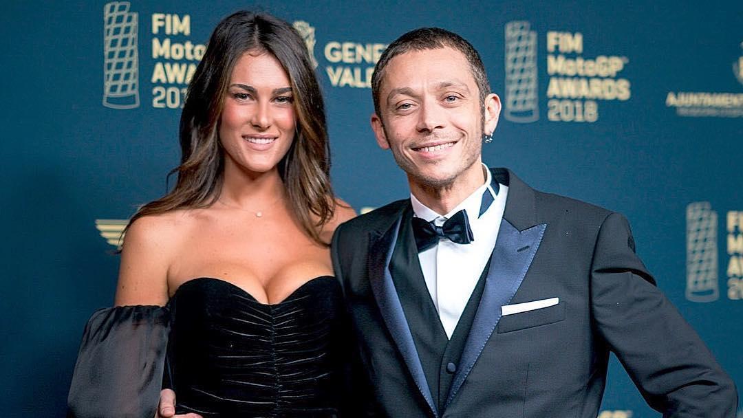 Valentino Rossi dan pacarnya, Sofia. (foto: instagram.com/francescasofianovello)