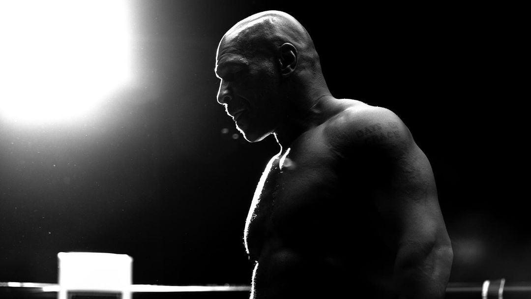 Petinju legendaris, Mike Tyson memberikan sabda kepada mantan petarung UFC Khabib Nurmagomedov. (foto: instagram.com/miketyson)