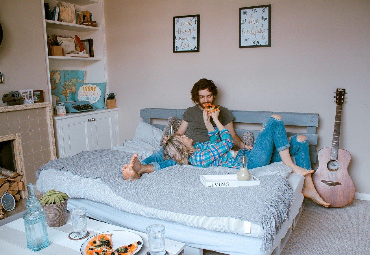 Jarang ada yang mengetahui bila 5 pelumas ini bisa membuat pasangan bisa merasa terus betah di rumah. (foto: pixabay)