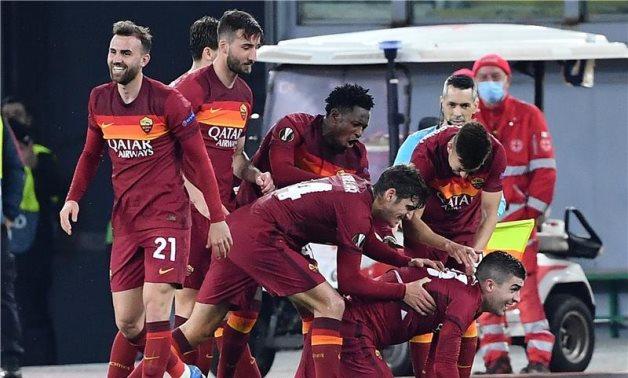 Pertandingan Liga Europa antara Ajax vs AS Roma yang dapat disaksikan via link live streaming ini merupakan laga harapan untuk satu-satunya wakil Italia. (foto: Reuters)