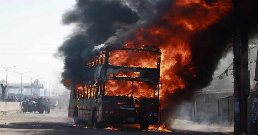 Tragis! Kecelakaan Bus vs Truk Bensin, 53 Orang Tewas Terbakar
