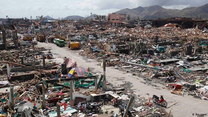 Ilustrasi-Rumah warga hancur. Foto: Reuters.