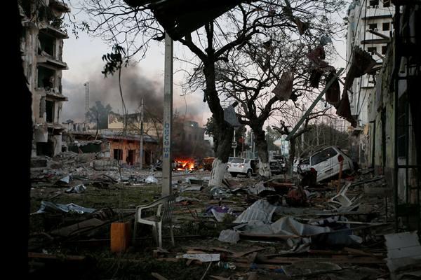 Serangan bom bunuh diri di Mogadishu, Somalia. Foto: Reuters.