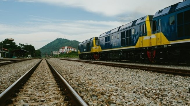Bikin TikTok di Jalur Kereta, Pengendara Ini Jadi DPO Polisi