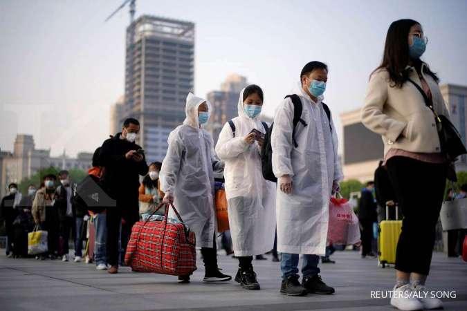 Ilustrasi-Para peneliti WHO tiba di China. Foto: Reuters.