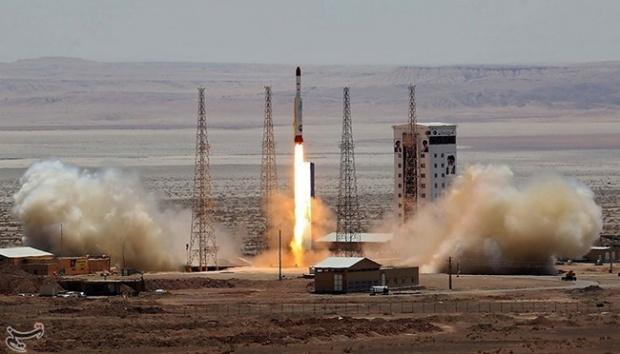 Iran Menguji Rudal Penghancur Bumi, AS Tertantang Siap Berperang
