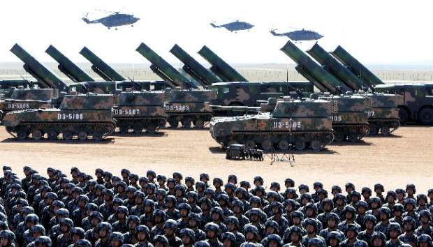 Latihan militer China. Foto: REUTERS/String.