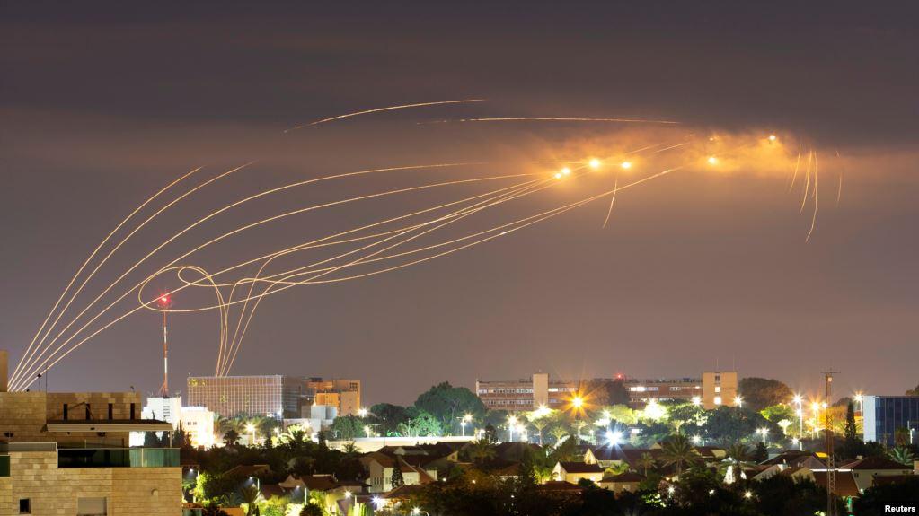 Ilustrasi-Serangan rudal. Foto: Reuters.