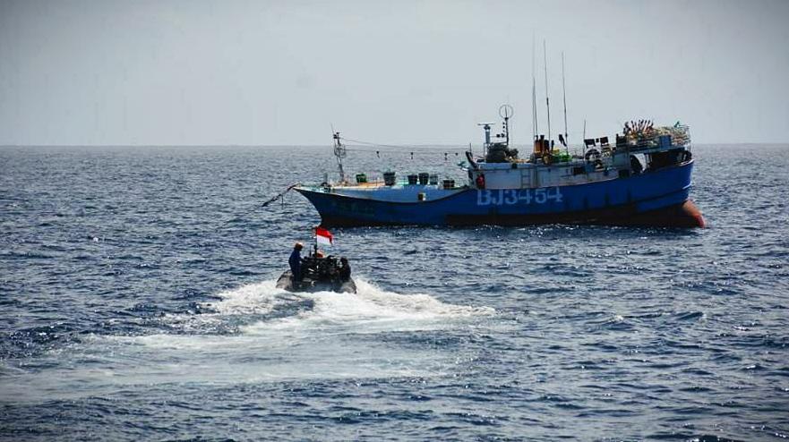 Tanpa Perlawanan, TNI AL Ringkus Kapal Ikan Ilegal Taiwan