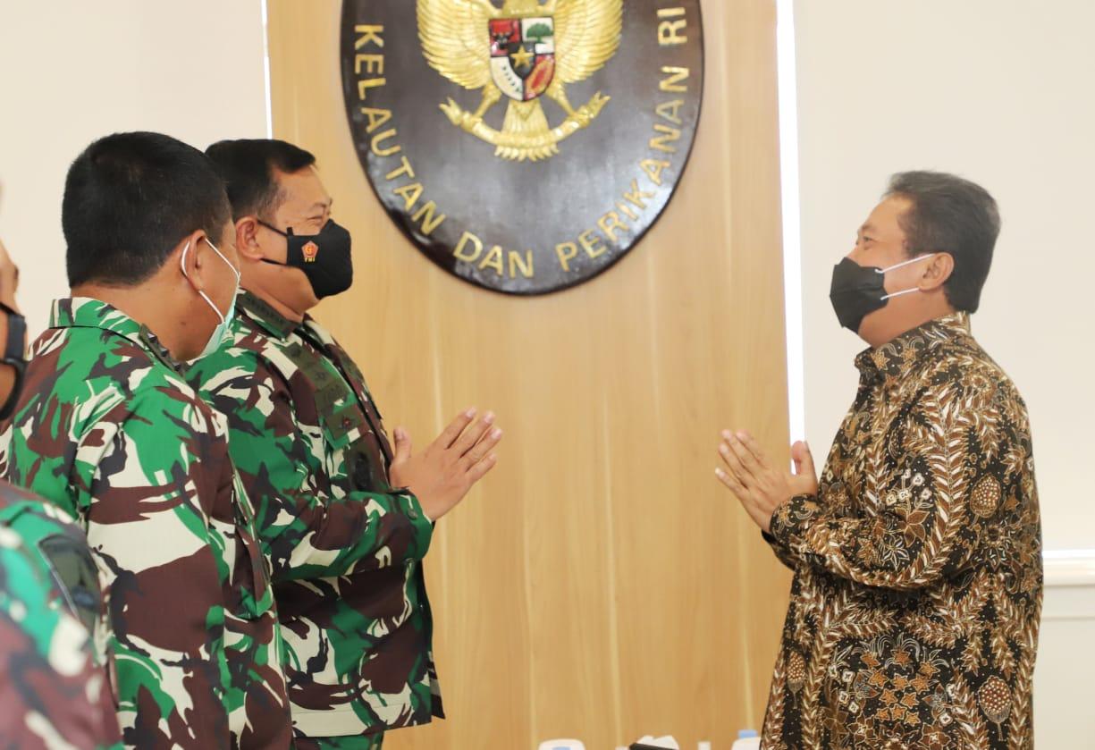 KKP-TNI Sinergi Perangi Penyelundup Benur, OMG! Semua Diberantas