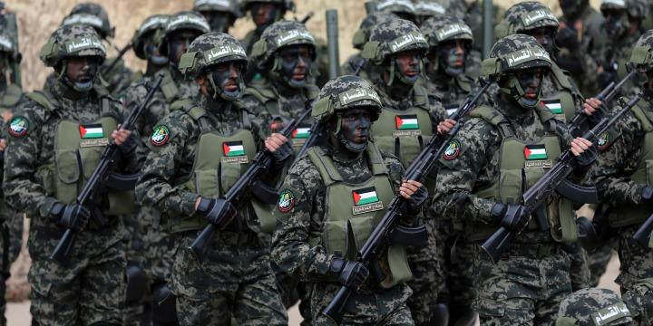 Pasukan Brigade Al-Qassam, sayap militer Hamas. Foto: Reuters.