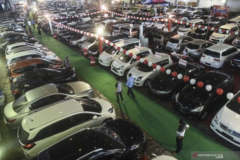 Ilustrasi-Pasar mobil bekas. Foto: Antara.