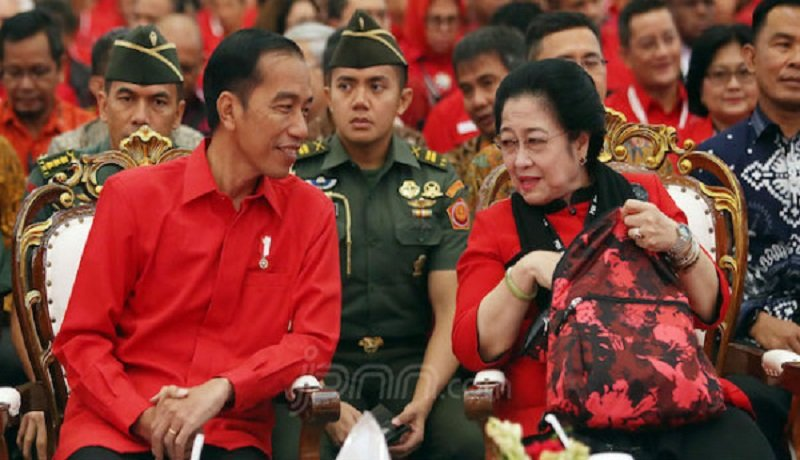 Presiden Jokowi bersama Megawati Soekarnoputri. Foto: Ricardo/JPNN/GenPI.co.